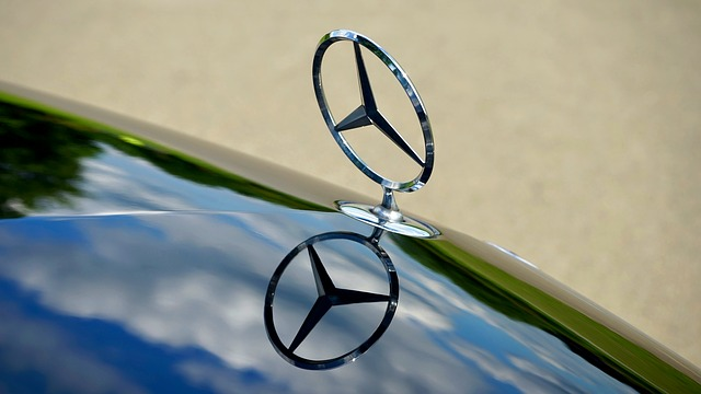 známý znak Mercedes