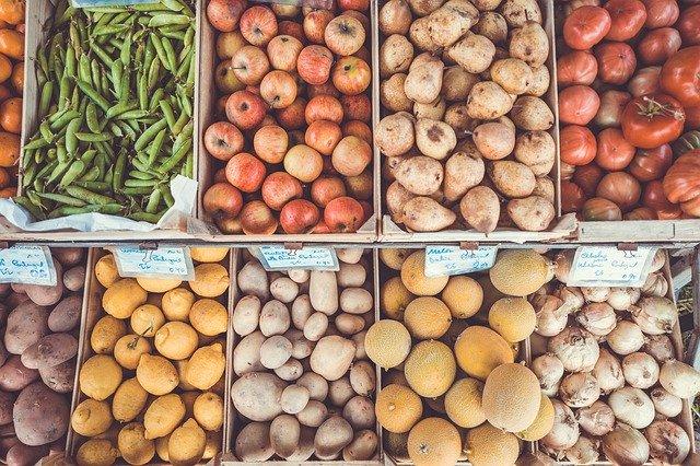 Trh s ovocem a zeleninou